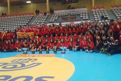 Foto de grupo delegación catalana.