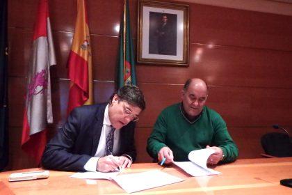 Firma acuerdo La Cistérniga.